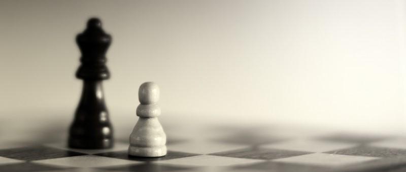 Schaakbord en schaakstukken