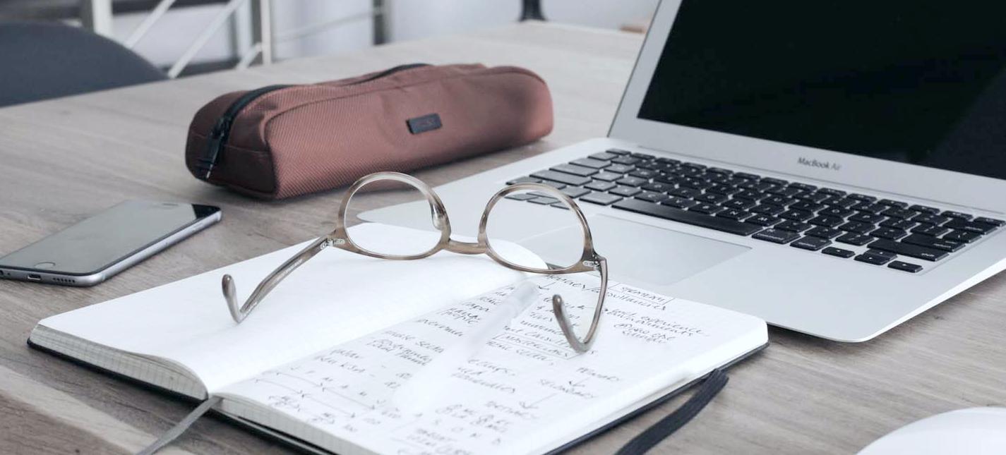 steuerberatung-student-laptop-von-steuer-absetzen