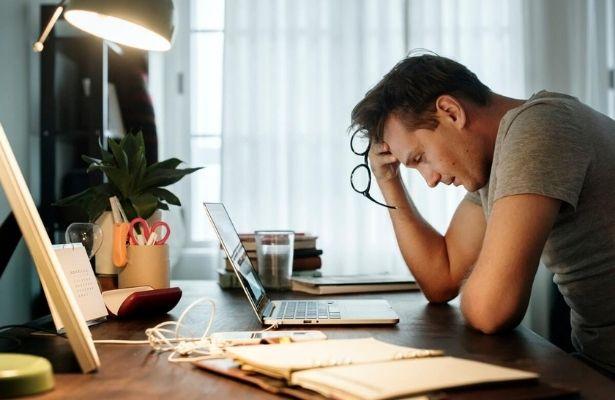 Buchhaltung für Unternehmer: Selbst machen oder einem Buchhalter überlassen?