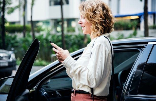 Firmenwagen privat nutzen - Alles zu Versteuerung, 1%-Regelung, Fahrtenbuch, Elektrofahrzeuge, geldwerter Vorteil & mehr