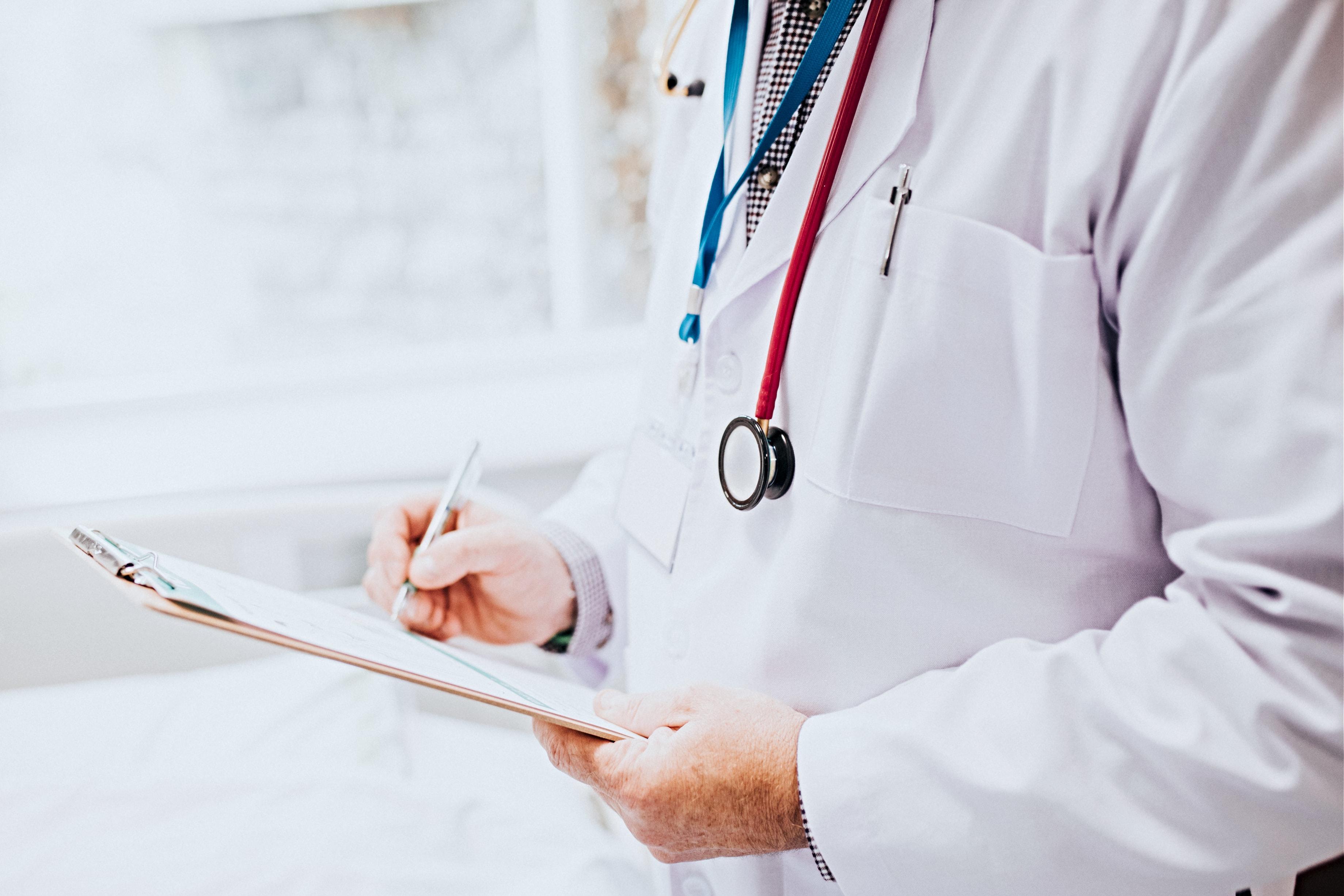 Steuerberater für Ärzte: Gründung, Optimierung & Übernahme der Praxis