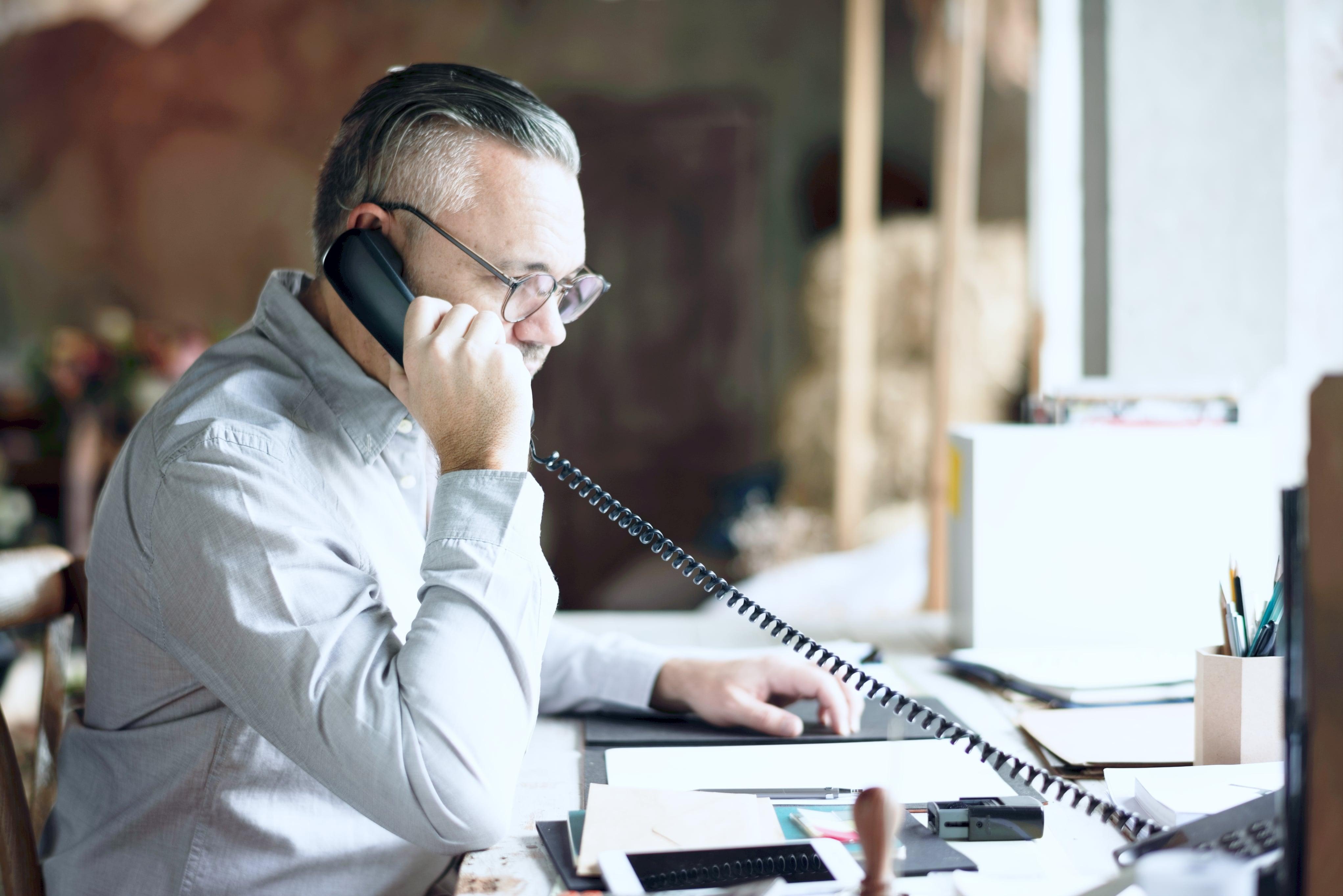 Tipps zur Buchhaltung für Klein- und Mittelunternehmen: Inhouse vs. Outsourcing